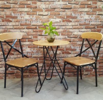Các mẫu bàn ghế khung sắt góp phần hoàn hảo cho không gian bếp